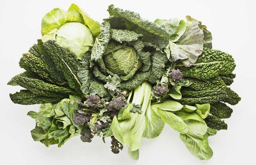 Gröna bladgrönsaker med klorofyll