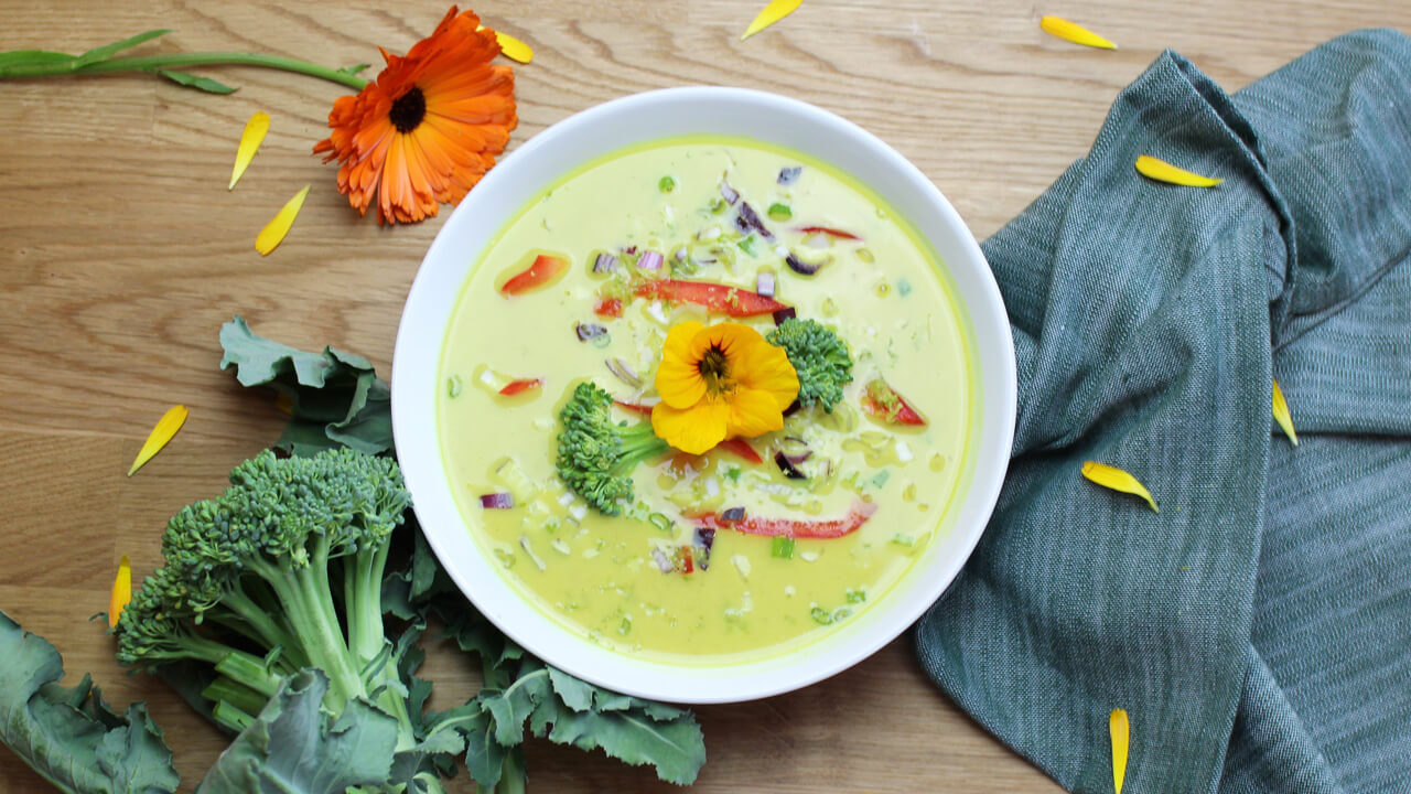 Vegansk thaisoppa med grön curry